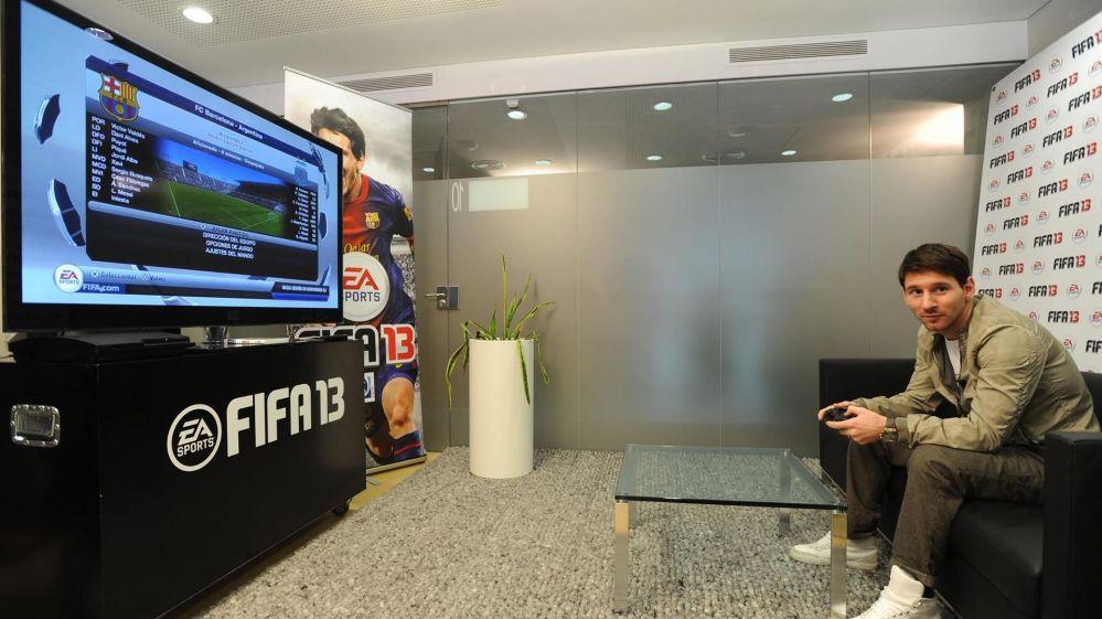 Меси играе ФИФА