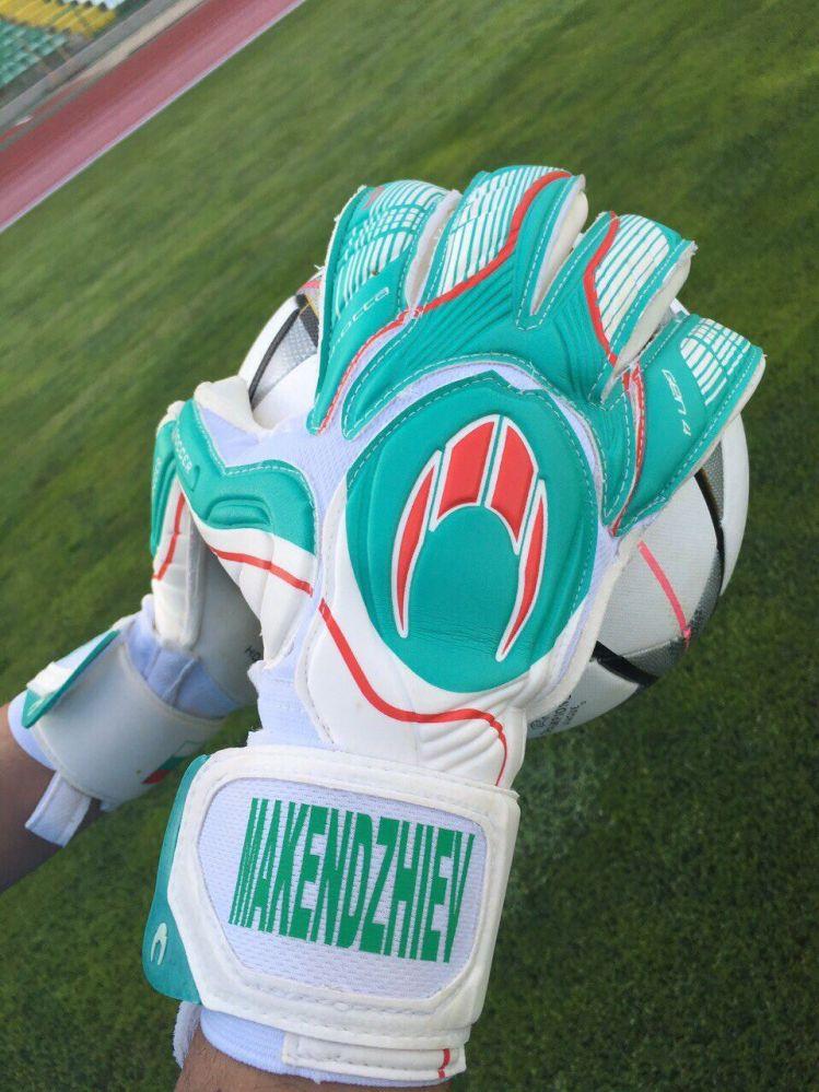 ръкавици с българското знаме